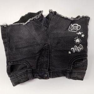 Crazy8 black jean shorts